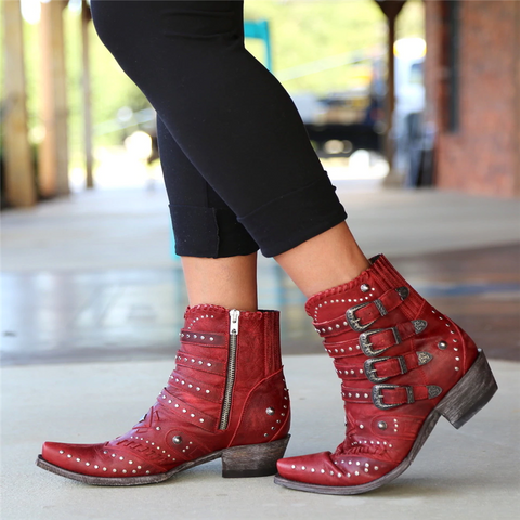 Women's boots with rivet buckle for fashionable locomotive