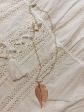 Load image into Gallery viewer, Melanie Leaf Necklace