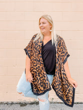 Load image into Gallery viewer, One Size Leopard Kimono