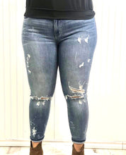 Load image into Gallery viewer, Lauren Distressed Denim