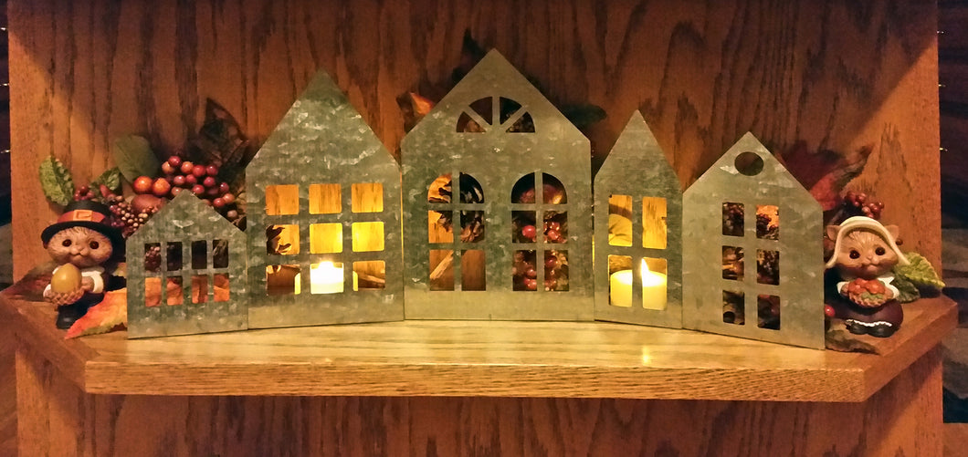 Set of 5 Metal Houses for Home Decor