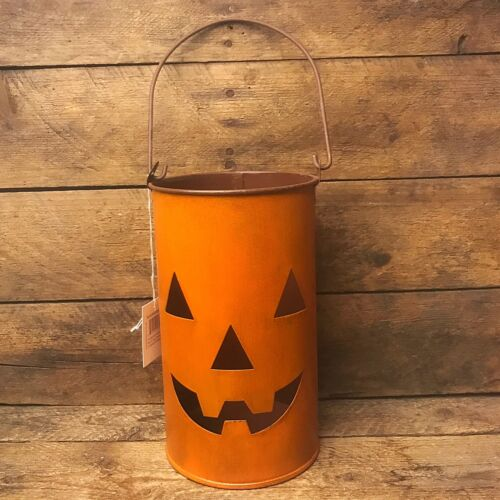 Jack-O-Lantern Luminaries for Fall Decorating