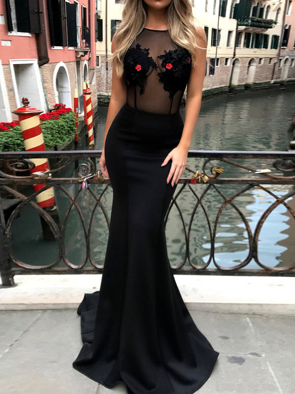 Black Sleeveless Sexy Dresses