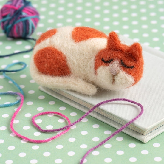 Cat Brooch Felting Kit