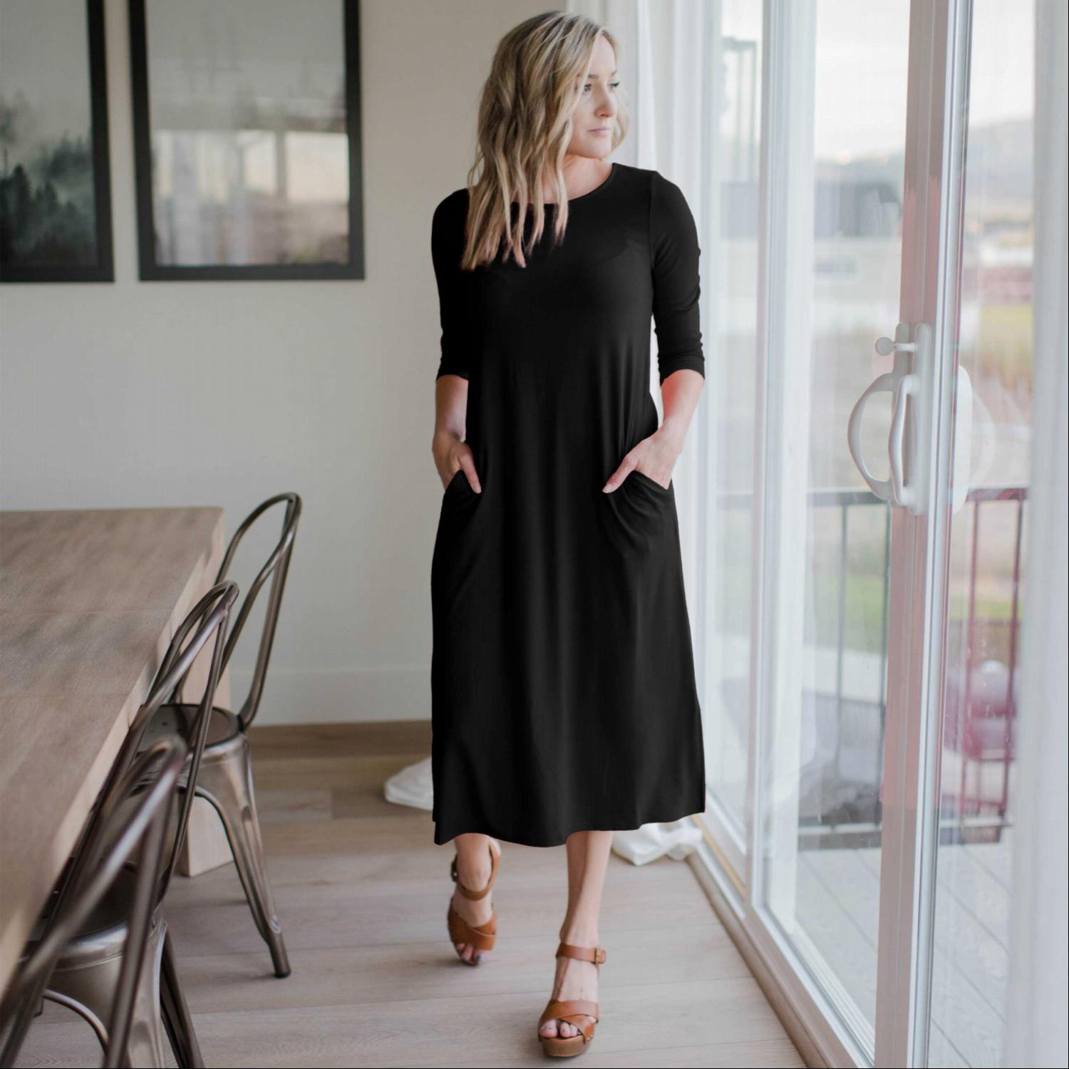 Black Mid Length Boxy Dress With Side Pockets