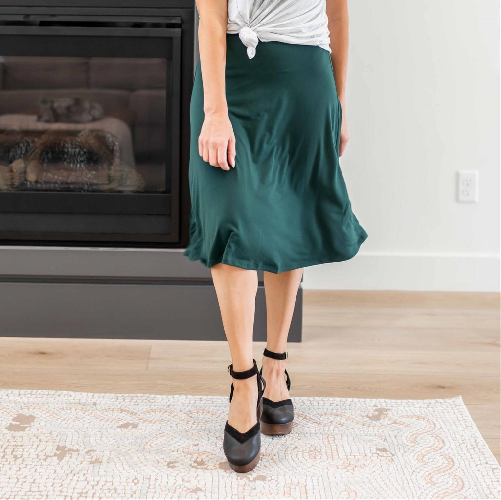 Hunter Green Women's Pleated Skirt Pull On Knee Length High Waist Airy Fit Solid Summer USA