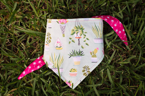 Dog bandana with plants