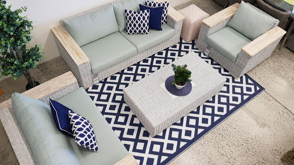 Marina Indigo Blue/White Rug in PP