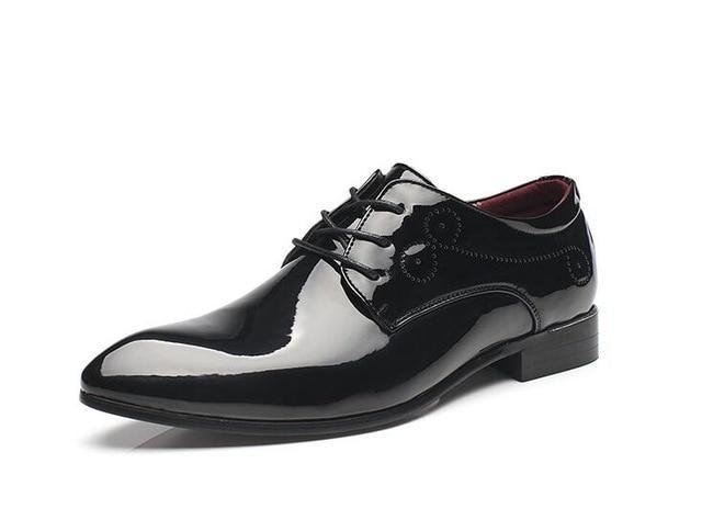 Designer streets trendsetter pointed black white red oxfords shoes