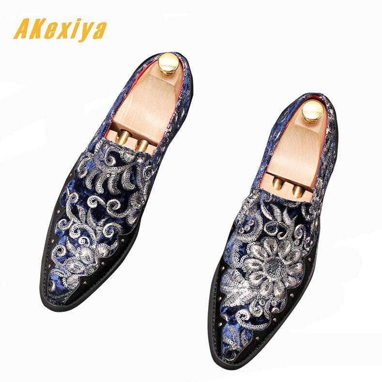 Luxury design Men's Embroidery sequins pointed Shoes