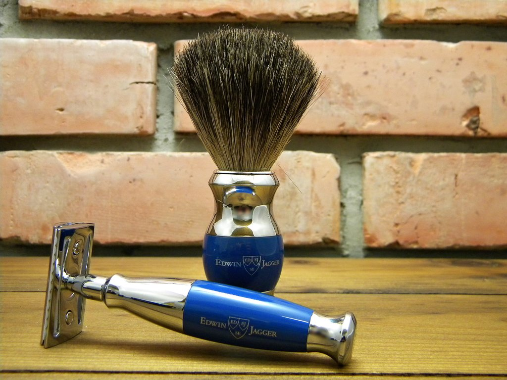 Edwin Jagger DE 356 Safety Razor Blue with brush