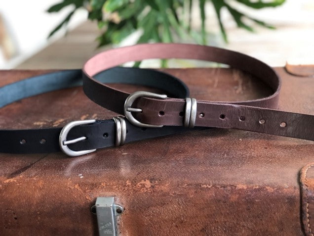 The Gentry leather belt with silver buckle