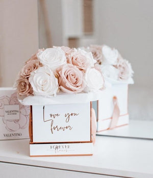 Forever Rose Box - Bouquet
