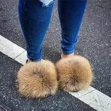 Load image into Gallery viewer, Girl's Luxury Fluffy Fur Slippers Ladies Indoor Warm Furry Fur Flip Flops Plush Fur Slides