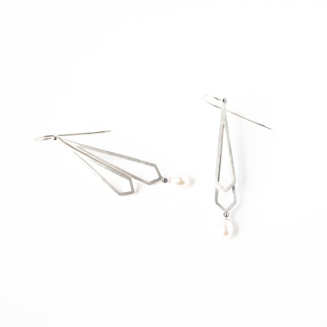 Short(er) Pearl Dangly Earrings