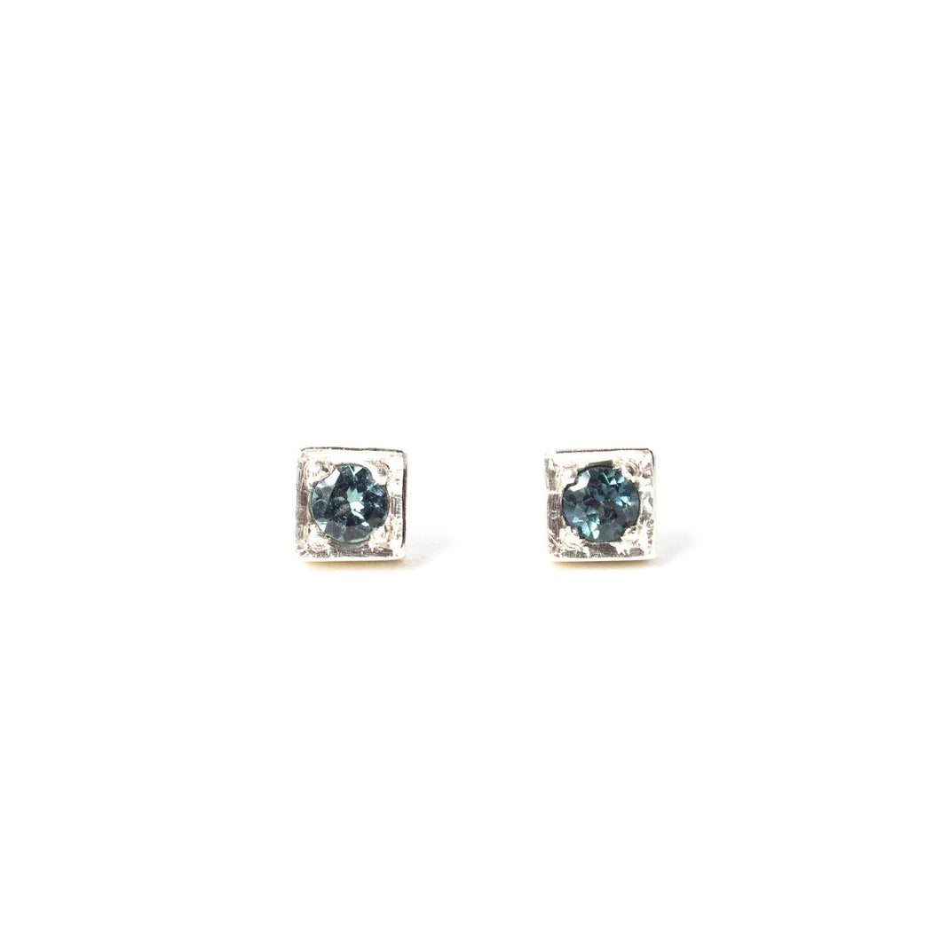 Grey Spinel Cube Studs
