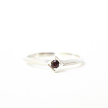 Load image into Gallery viewer, Garnet Cube Ring