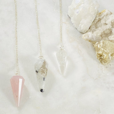 gemstone pendulums for seeking clear insights