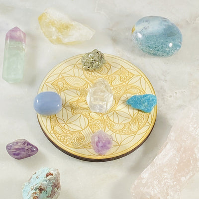 Om flower of life crystal grid