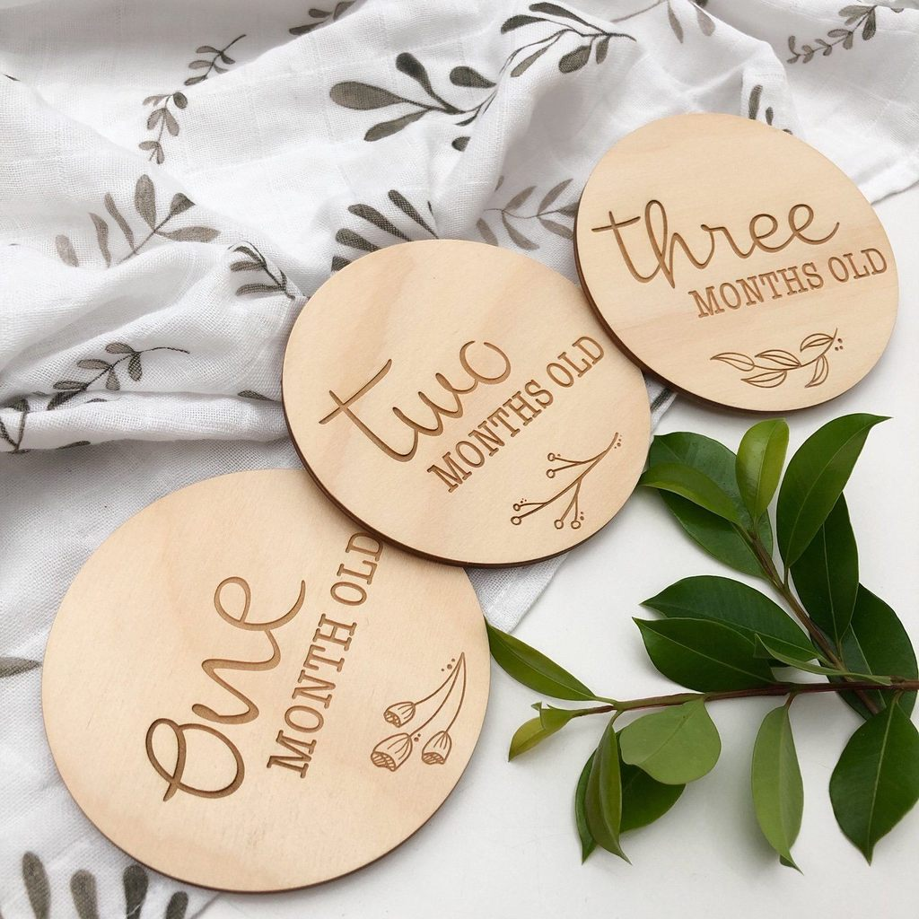 ONE CHEW THREE - NATURAL FOLIAGE Baby Milestone Plaques (Monthly Age)