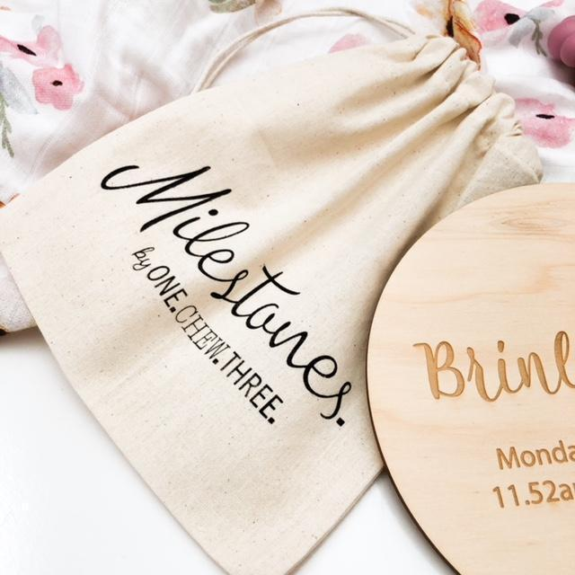 ONE CHEW THREE - FLOWER Pregnancy Milestone Plaques