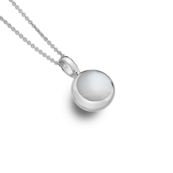 Silver Necklace with a Mother of Pearl Centre