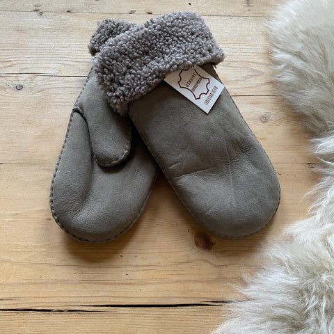 Sheepskin Ladies Mittens - Light Grey
