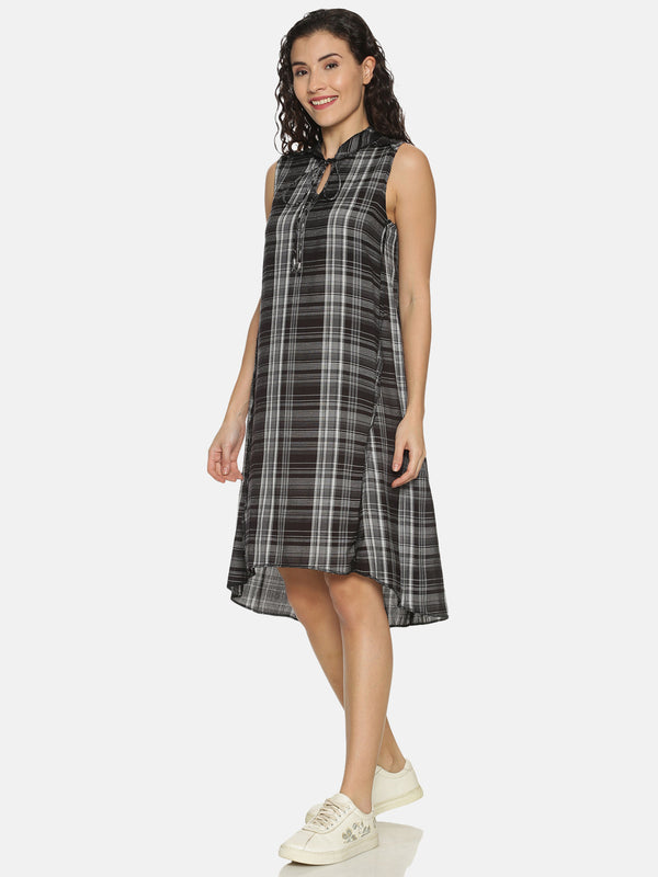 Black Checks Tunic With Mandarin Collar And Tie Up