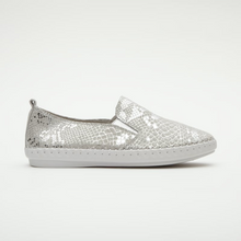Load image into Gallery viewer, Julz Leather Sneakers Gabbi Snake Silver