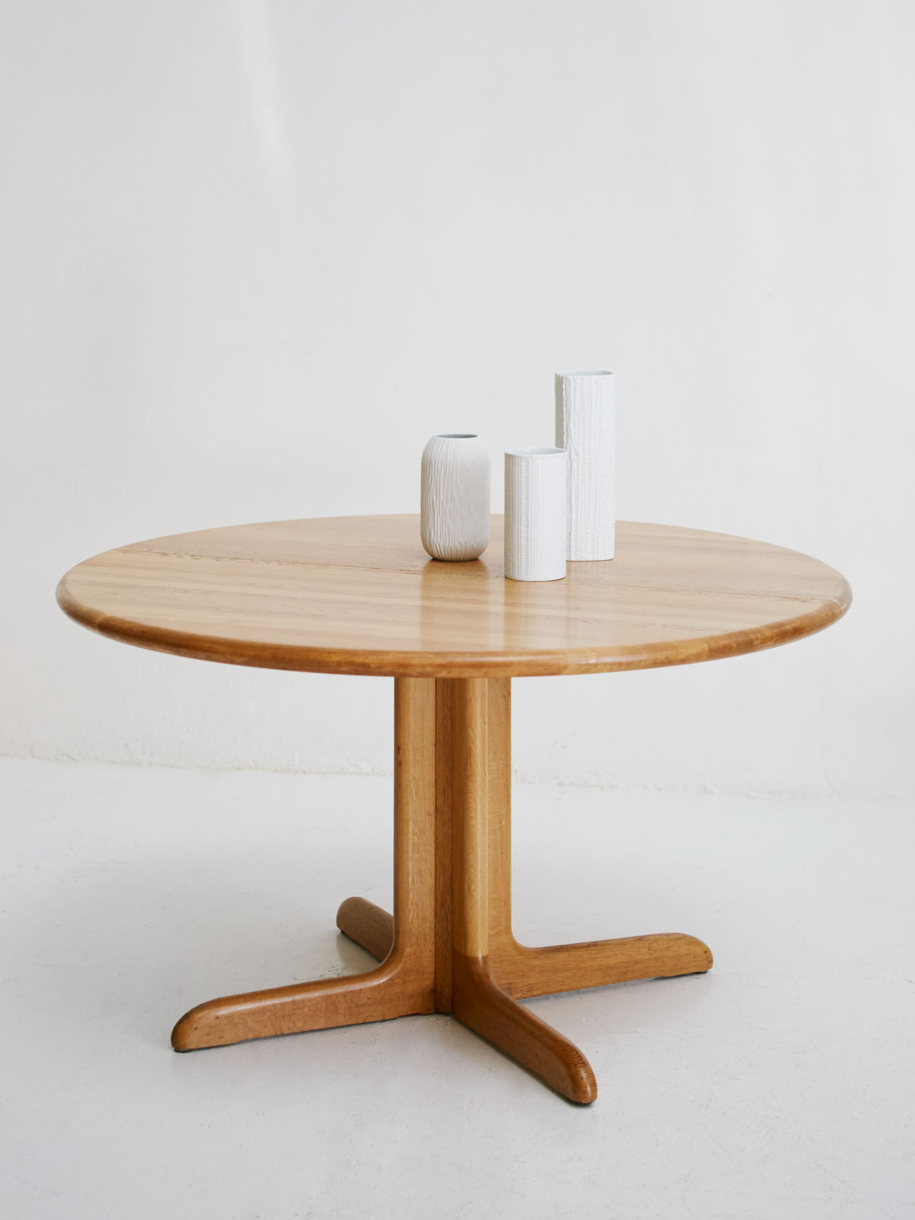 Dinning table by Niels Otto Møller