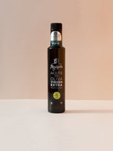 Load image into Gallery viewer, Kauchy_Alguijuela_VerdialdeBadajoz_Organic_Olive_Oil_250_ml