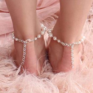 Offwhite Caiti modern pearl anklets from back