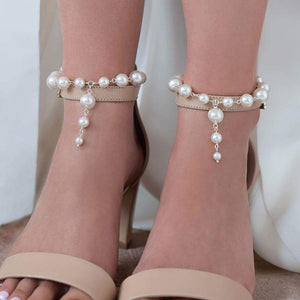 Offwhite Caiti modern pearl anklets with shoes