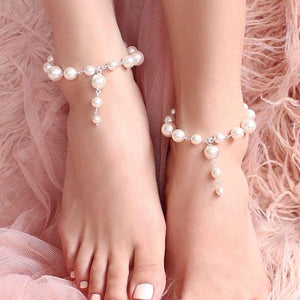Offwhite Caiti modern pearl anklets from top