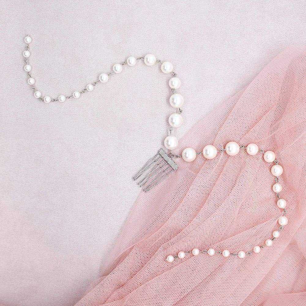 Offwhite Caiti cascading pearl haircomb on pink