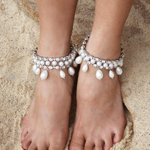 Load image into Gallery viewer, Silver Juno Bohemian Bridal Pearl Anklets from top