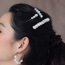 Load image into Gallery viewer, Kygo freshwater pearl hair pins set from side