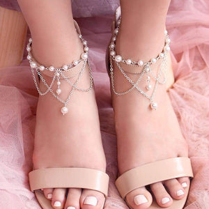 Off-white Ora Bridal Pearl Anklets with shoes