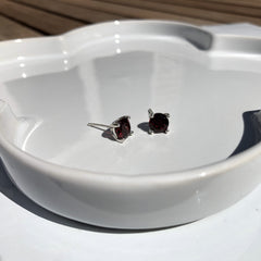 Renee Earrings Red Garnet