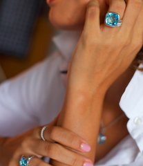 Urban Chic- LOVE Ring Blue Topaz. Solid White Gold 10k