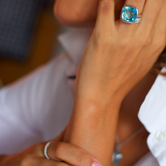 Urban Chic - LOVE Ring Blue Topaz