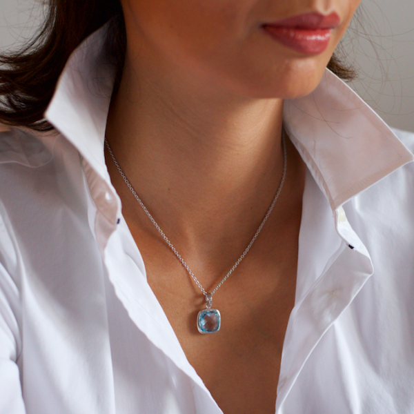 Urban Chic - LOVE Pendant Blue Topaz
