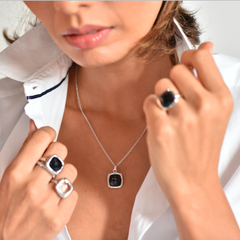 Urban Chic - LOVE Pendant Black Onyx