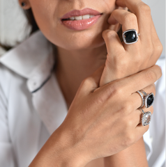Urban Chic - LOVE Ring Black Onyx