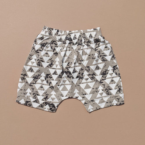 Liam | Pattern Shorts | Neutral Triangles