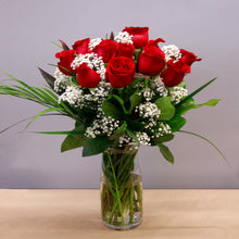 Load image into Gallery viewer, One dozen of our most beautiful long stem roses from Eucador