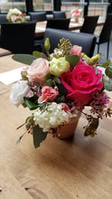 Load image into Gallery viewer, Petite Fleur - Flower Arrangement