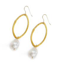 Load image into Gallery viewer, BITSY EARRING, WHITE PEARL