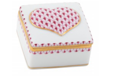 Embossed Heart Box - Pink