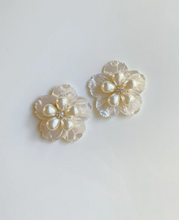Load image into Gallery viewer, MOTHER OF PEARL + PEARLY FLORAL STUD